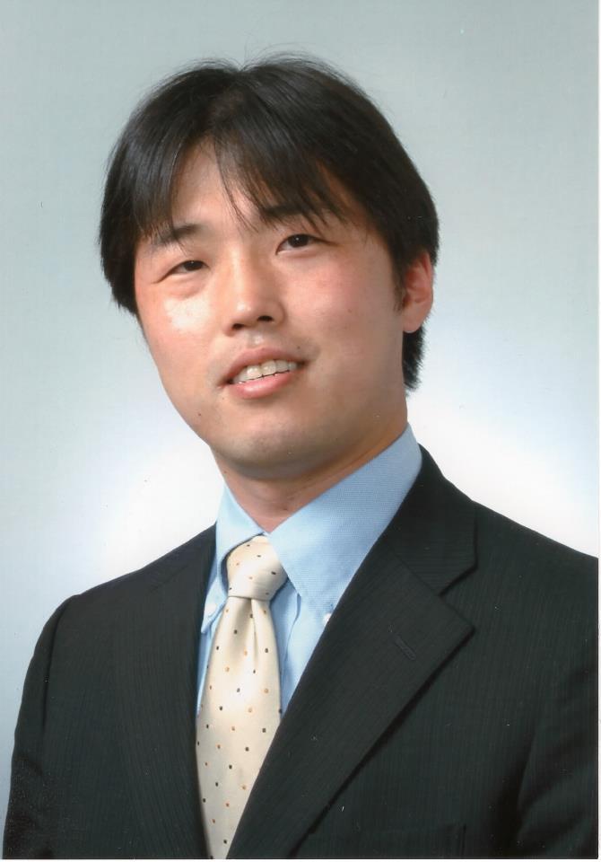 鯨岡 健太郎 (くじらおか けんたろう)